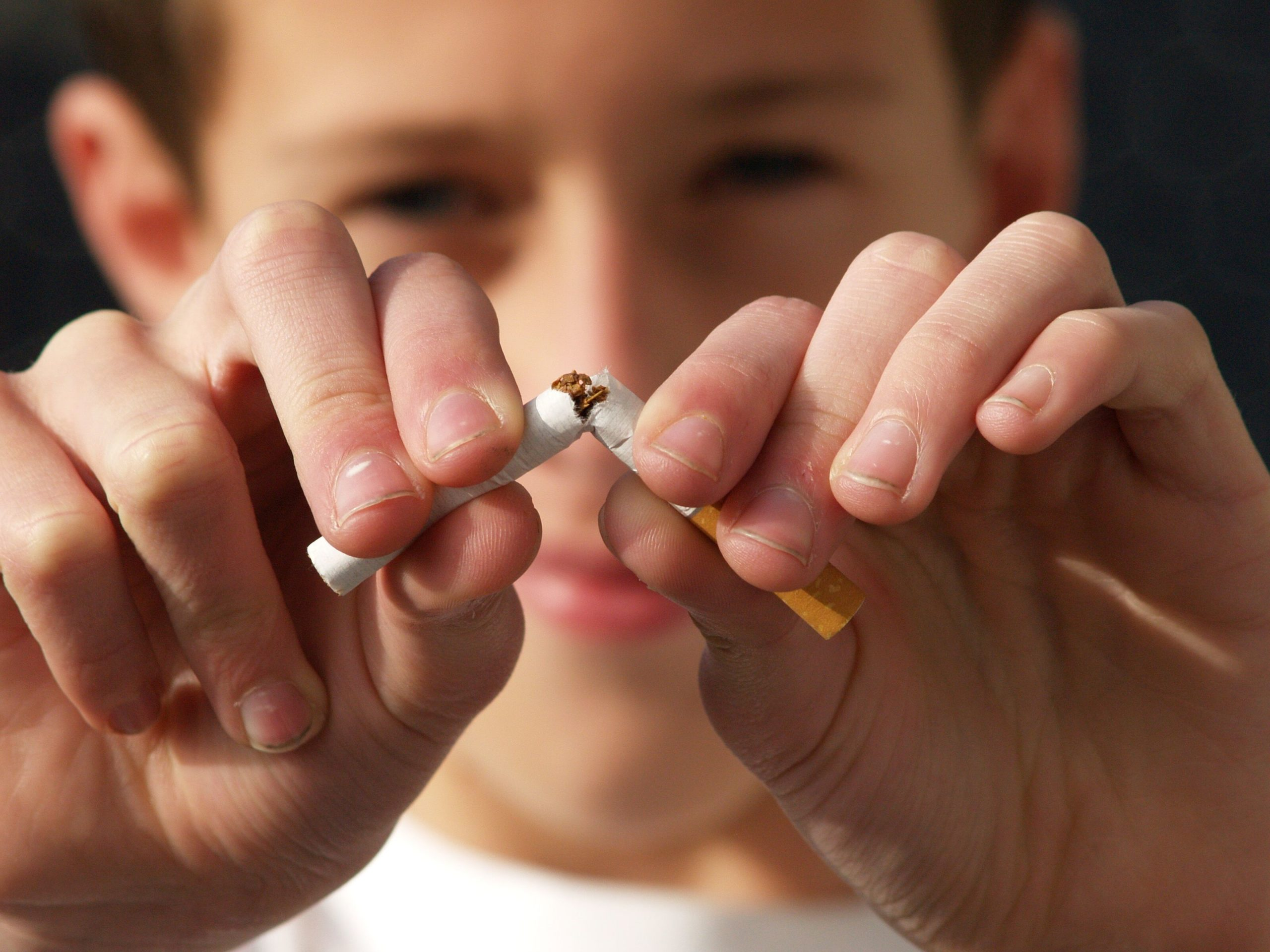 Laurel NE Dentist | Tobacco & Your Teeth: The Risks of Chewing and Smoking